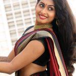 Nithya Naresh nude hip hot saree show