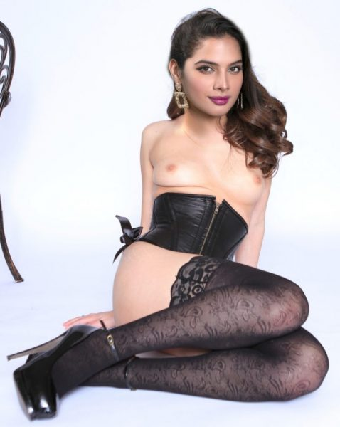 Small boobs Tanya Hope topless black lingerie xxx images