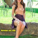 Topless bigg boss Nikki Tamboli sexy nude leg small boobs naked pic