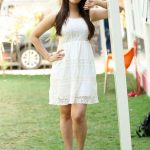 tamil heroine surabhi nude legs show high resolution photos