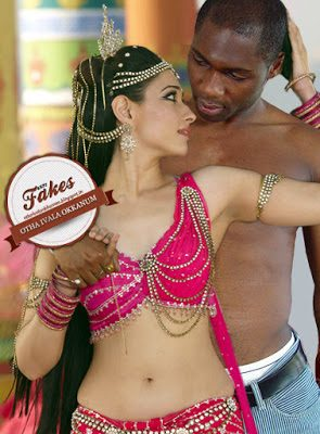 Hot Tamanna nude milky white navel and naked blouse pic