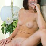 Preity Zinta miky white pussy photo full nude body
