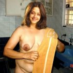 Jyothika naked kitchen photo covering her boobs with towel fake