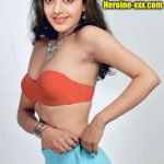 Kajal Aggarwal removing her saree first night red bra side view