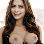 Deepika Padukone open cup bra nude free boobs nipple pose image